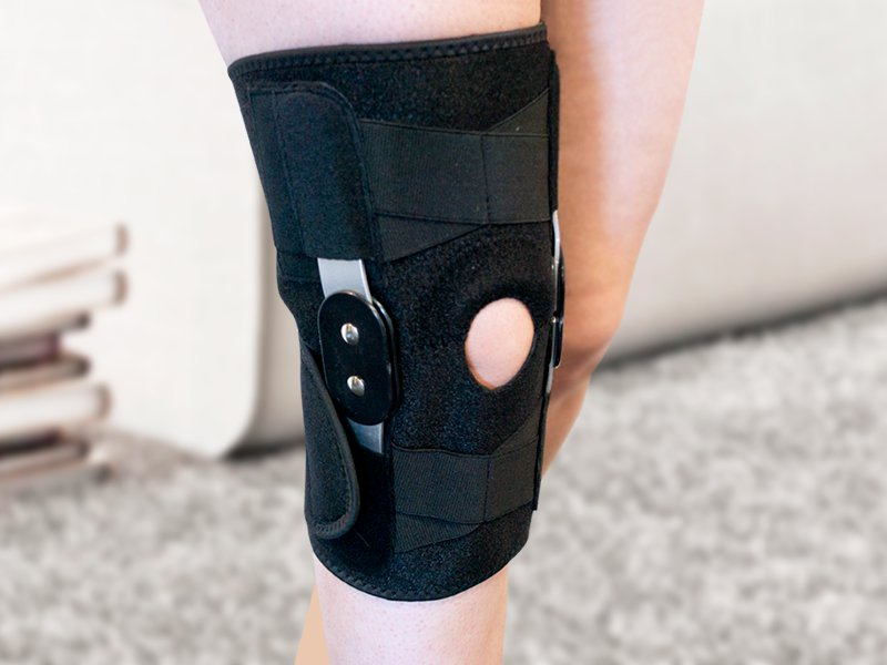 Hinged Neoprene Knee Support