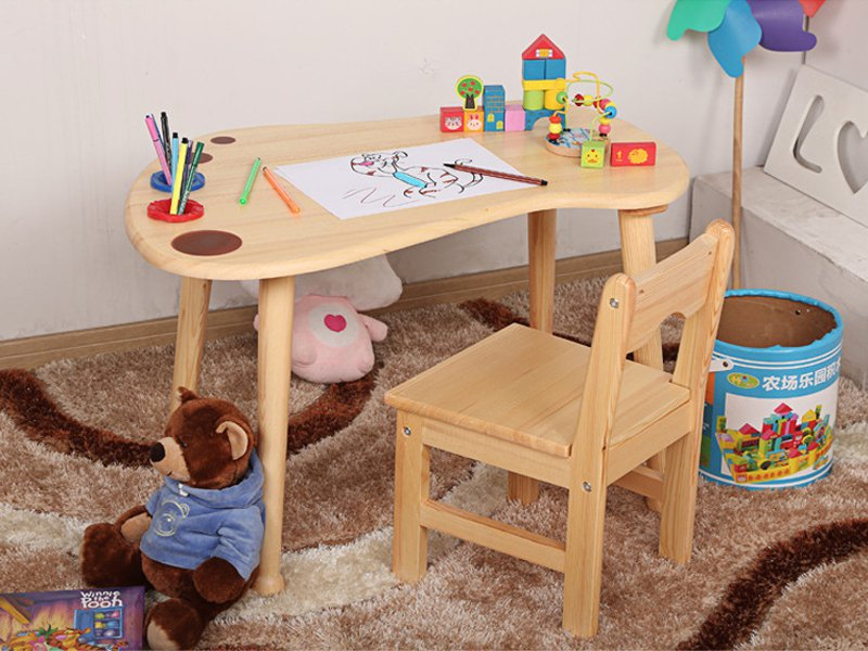 Kid's Wooden Desk & Chair