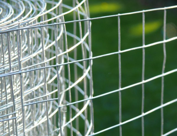 30m Galvanised Wire Mesh Fence Netting - 2.7x2.7cm